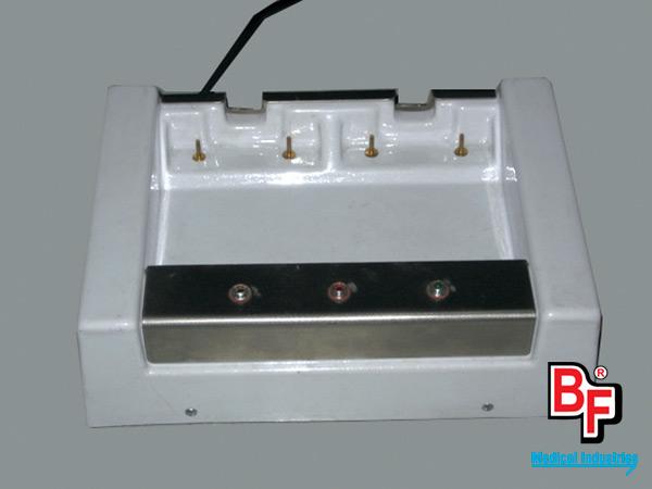 BF506/BF507 - Cargador dual de baterías para desfibrilador Life Pack 5. BF506: 220 Volts. BF507: 110 Volts